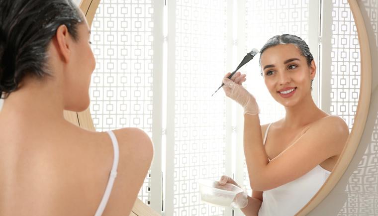Regeneráljátok a sérült hajatokat pakolások és peelingek segítségével
